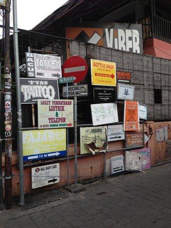 Kuta Art Markets: Street of kuta