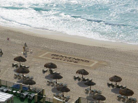 The Royal Islander: Anuncio de Bienvenida en la playa, buen detalle