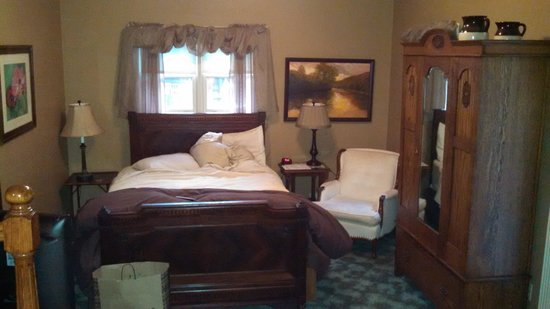 The Inn at Rose Hall Bed and Breakfast: Bedroom