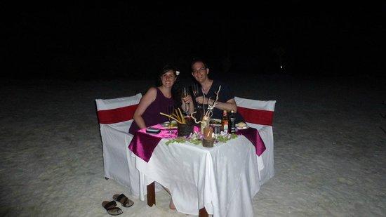 Kanuhura: Cena en Isla Privada