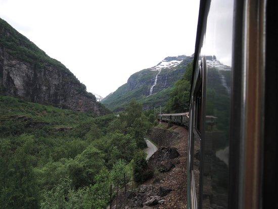 The Flam Railway : Train & Waterfall