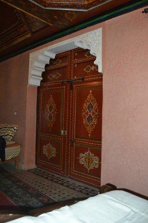 Riad Amssaffah: Porta ingresso Suite
