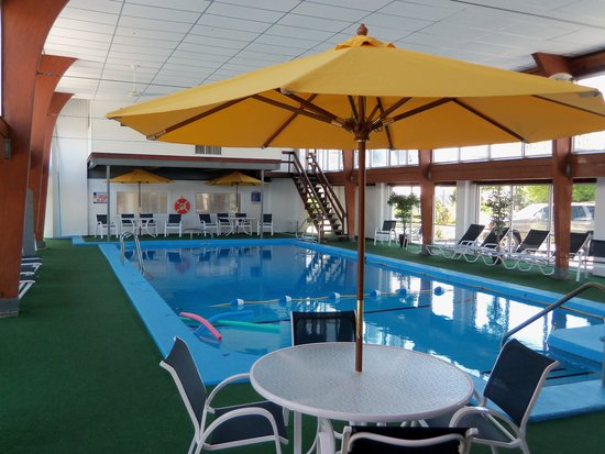 Hyannis Inn Motel: Pool