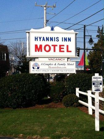 Hyannis Inn Motel: Motel Sign
