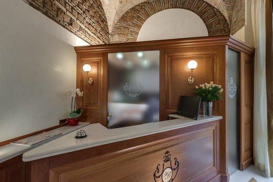 Borromeo Hotel : Ricevimento/Reception