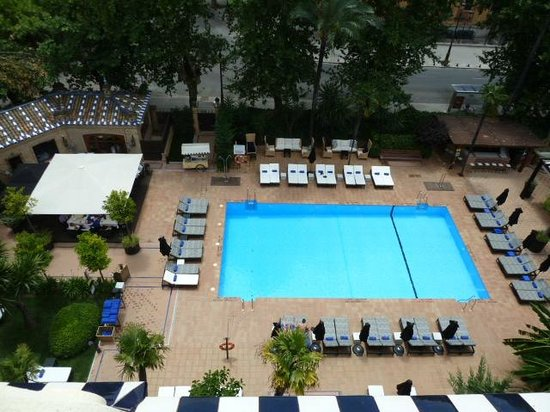 Hotel Alfonso XIII, A Luxury Collection Hotel, Seville : Gorgeous clean pool