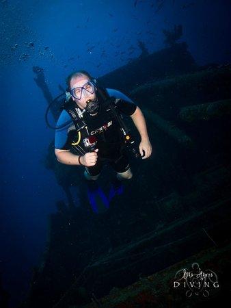 Bas Harts Diving Curacao: Superior Producer Wreck Dive