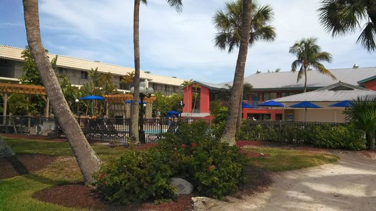 Holiday Inn Sanibel Island: The pool area