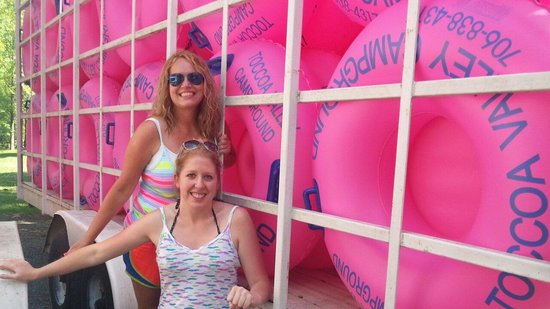 Toccoa Valley Campground, Tubing & Rafting: Love PINK!