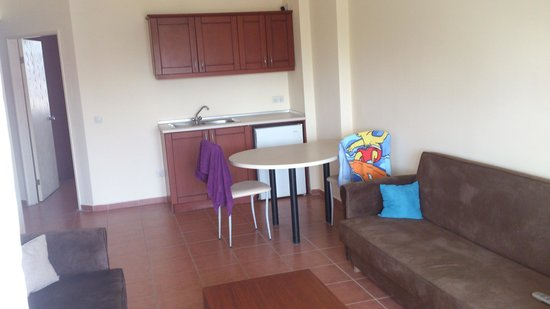 Lemas Suite Hotel: Dining Room- Family Room