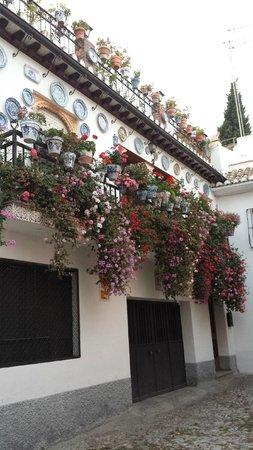 Play Granada : Las Casa De Los Platos