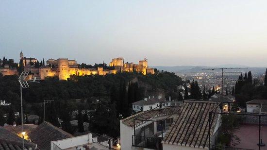 Play Granada : La Alhambra at Sunset