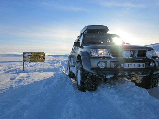 Akranes, Islandia: Our Nissan Patrol truck from our fleet.