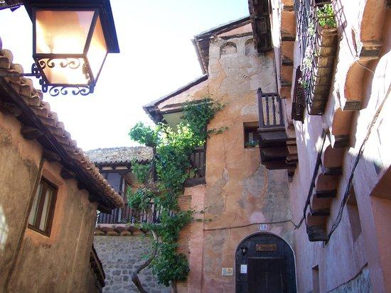 Albarracín: CALLES DE ALBARRACIN.