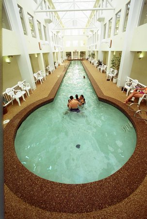 Anchorage Inn: Atrium Pool
