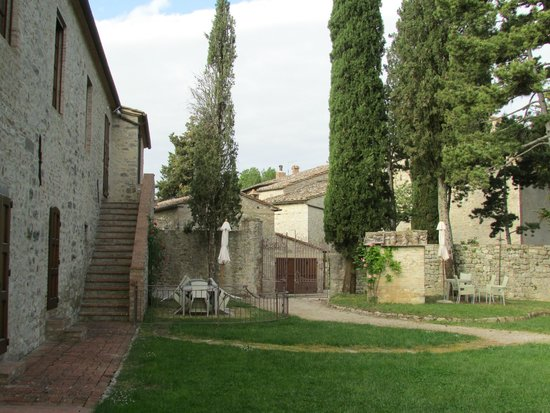 Borgo di Pietrafitta Relais: More of the grounds and other apartments