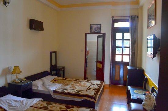 Villa Pink House: вид на ванную и балкон