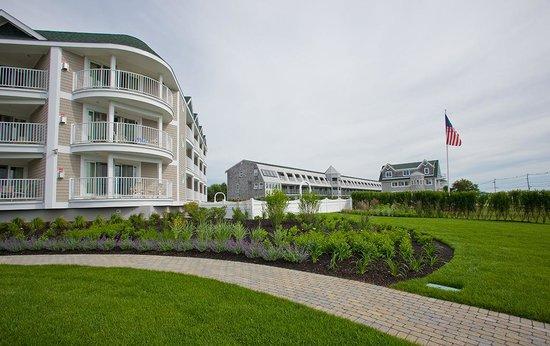 Anchorage Inn: Ocean Suite Exterior 2