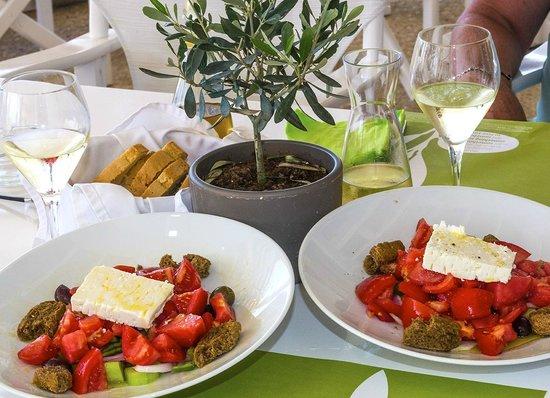 Niko's Taverna : Deux salades grecques....