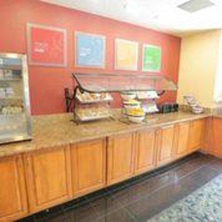 Comfort Inn International: Breakfast