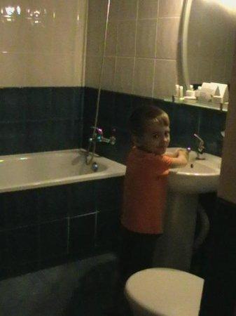 Lermontovskiy: Ванная