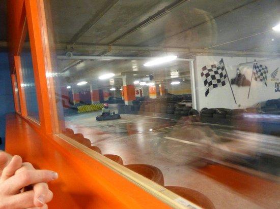 Hot Wheels Raceway: Kart racing