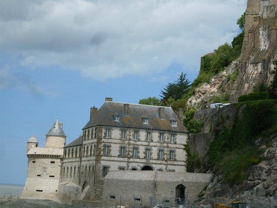 Abbaye du Mont-Saint-Michel : view from the walkway
