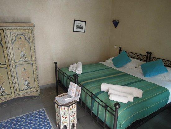 MonRiad : room #12