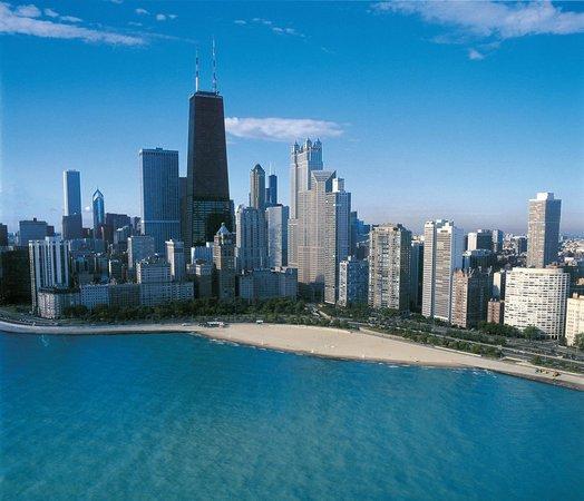 Four Seasons Hotel Chicago : Oak St. Beach
