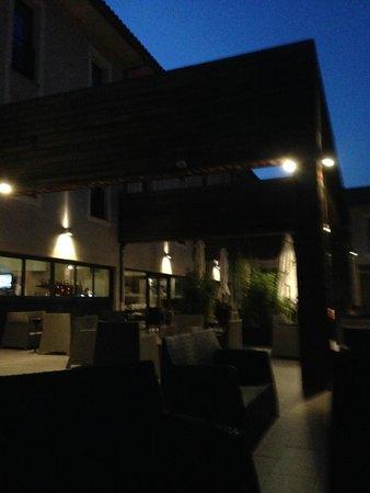 Grand Prix Hôtel: En terrasse au calme du crépuscule..