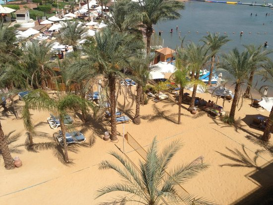 Lido Sharm Hotel : Beach view from the roof