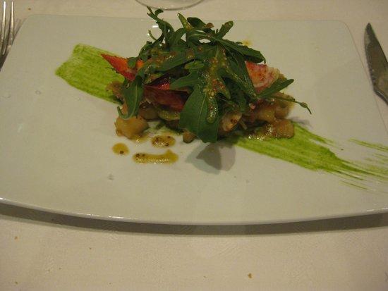 Restaurante Jaizkibel: Ensalada templada de bogavante sobre cama de vainas, tomate y cebolleta con vinagreta de mostaza