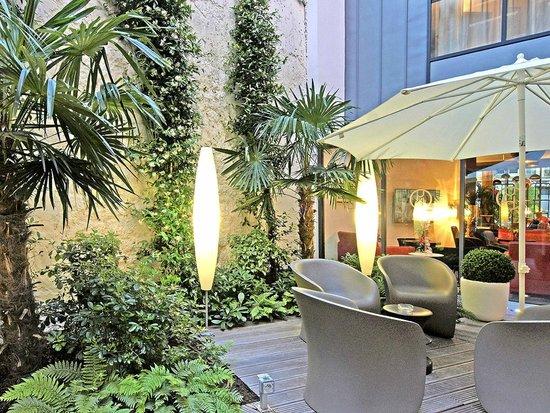 Hôtel HOR : Jardin/Terrasse