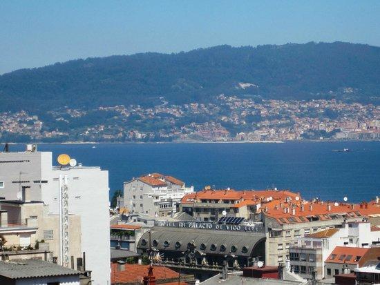 Hotel Zenit Vigo: La costa desde la habitación 604