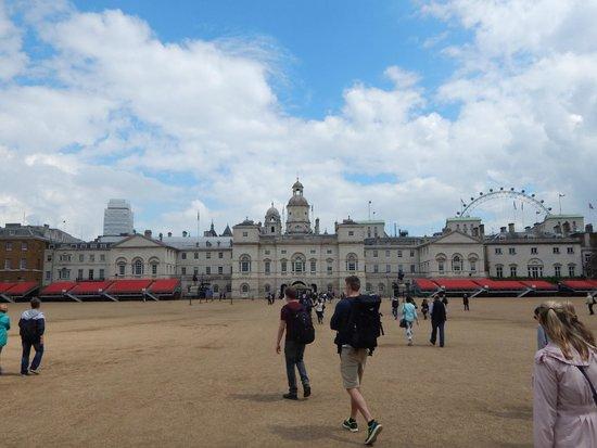 SANDEMANs NEW Europe - London: Horseguards