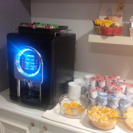Hotel Club Florence: Slow coffee machine for the whole hotel
