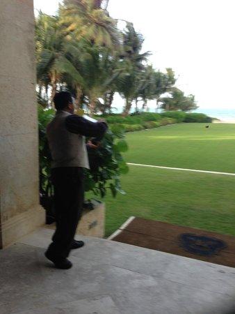 The St. Regis Bahia Beach Resort: Champagne Sabering and tasting