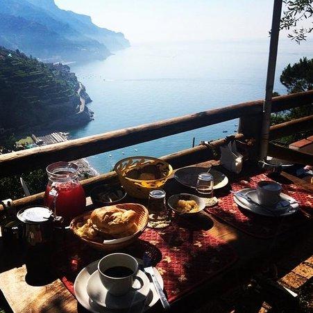 Orto Paradiso: Breakfast on the terrace