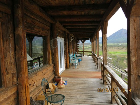 Last Frontier Lodge : Deck
