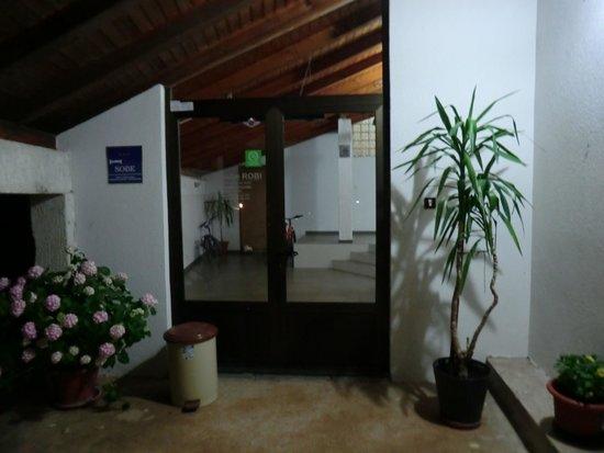 Guesthouse Pansion Robi Medjugorje: Eingang