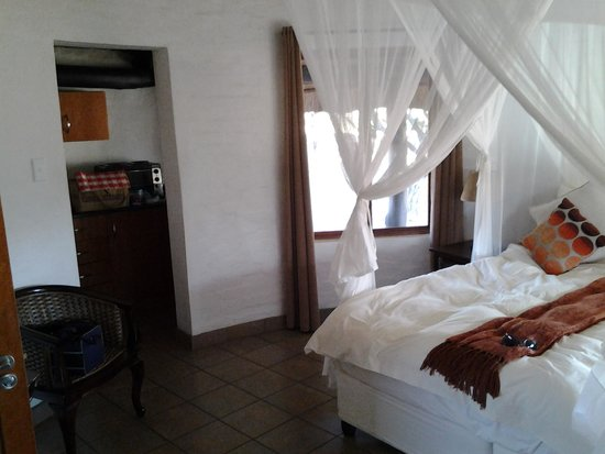 Zululand Safari Lodge: interior of chalet