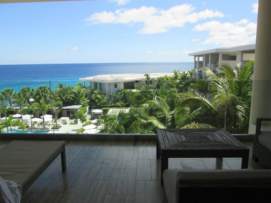Four Seasons Resort and Residences Anguilla : View from room