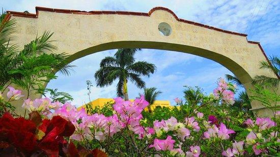 Allegro Cozumel : entrance to resort
