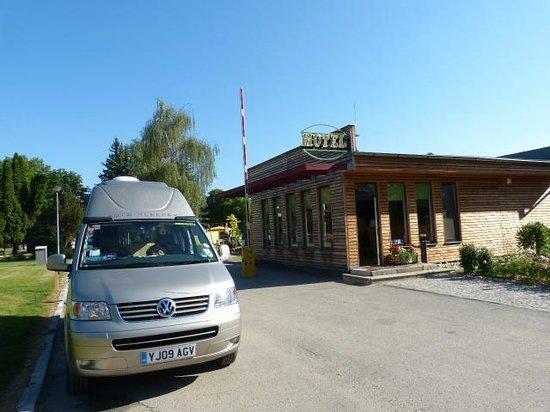 Motel Dlouha Louka: Reception