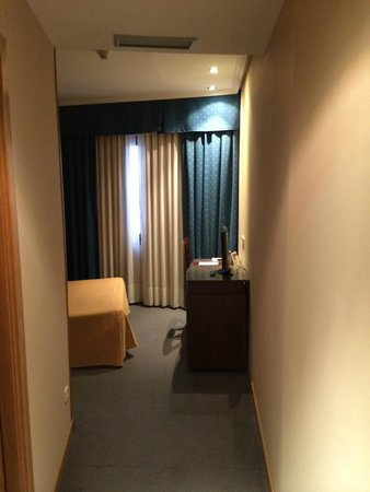 Hotel Zenit Imperial: Habitación