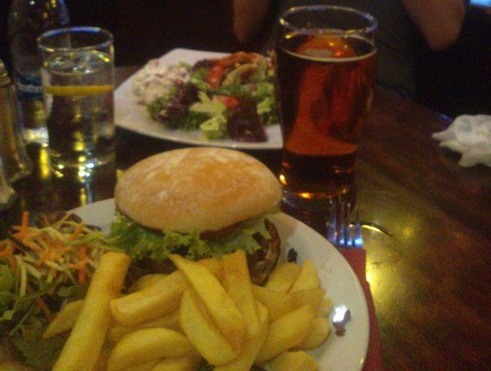 Skinners Arms : Cheeseburgher favoloso