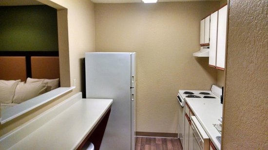 Extended Stay America - San Antonio - Colonnade : Kitchen