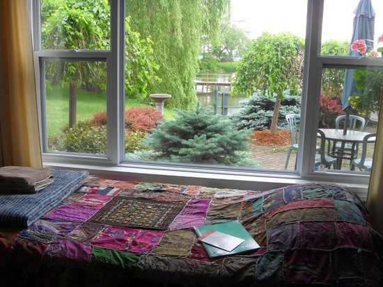 Shanti Retreat: My bed and the view from the window.