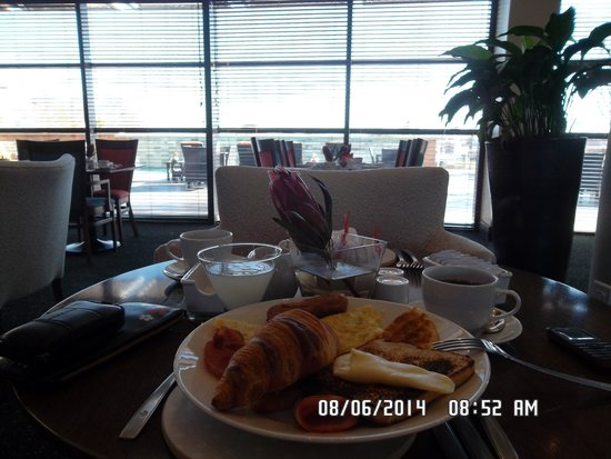 City Lodge Hotel Fourways: Breakfast