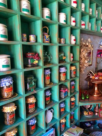 Cajdzinica Dzirlo-Tea House: Teas in all flavours